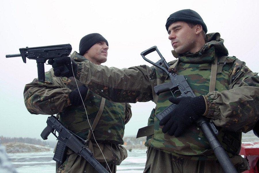 Русский спецназ ГРУ импытывает новое оружие